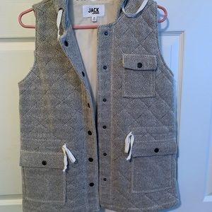 Black and grey vest